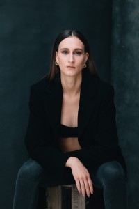 katharina portrait in studio in mainz 04