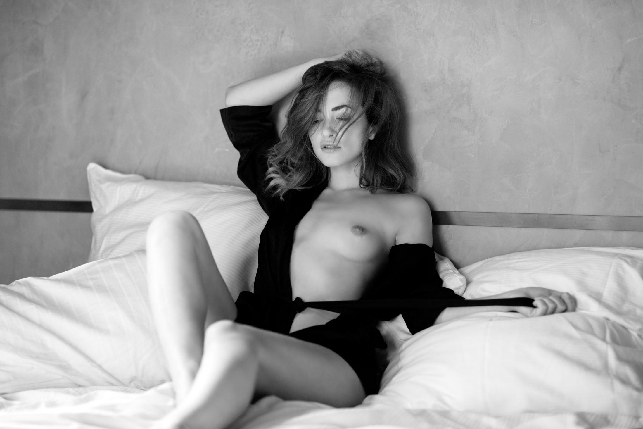 tereza sensual portrait in studio frankfurt 02