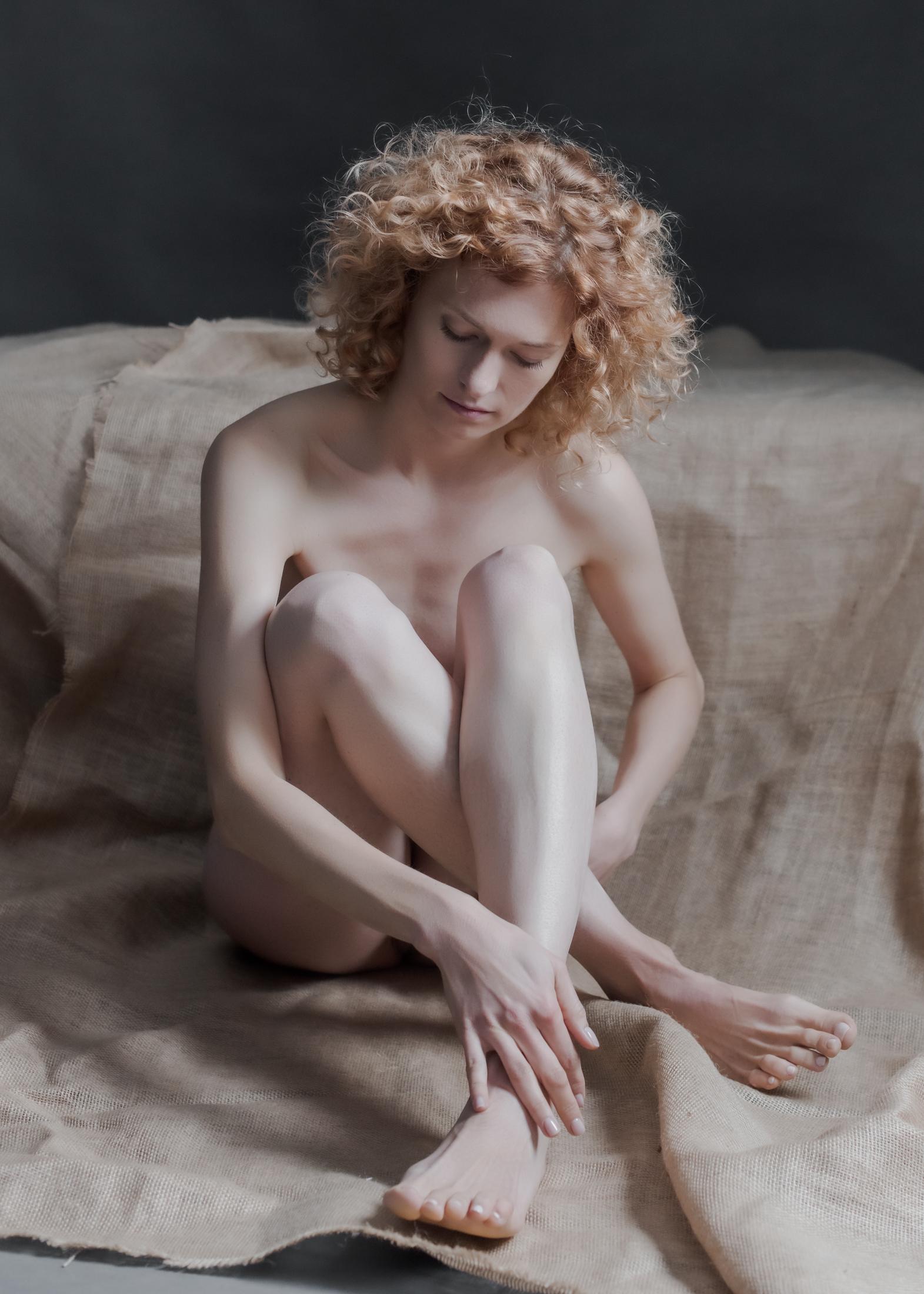 yolanta sensual portrait in studio in frankfurt 02