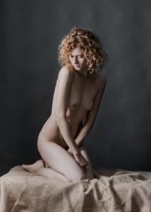 yolanta sensual portrait in studio in frankfurt 04