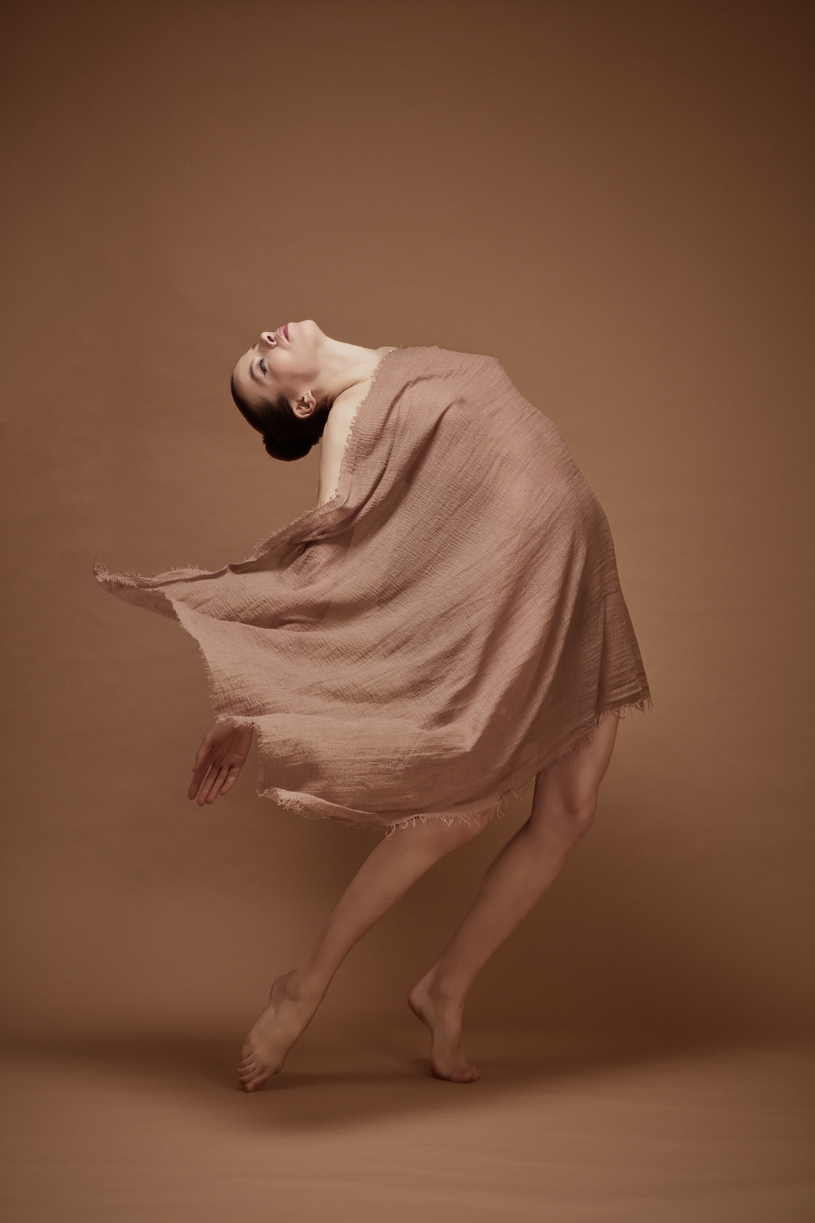 denisa sculptural art nude in studio mainz 09