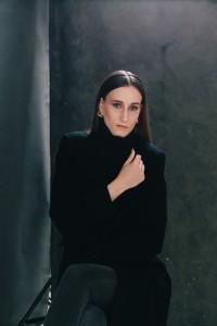 katharina portrait in studio in mainz 09