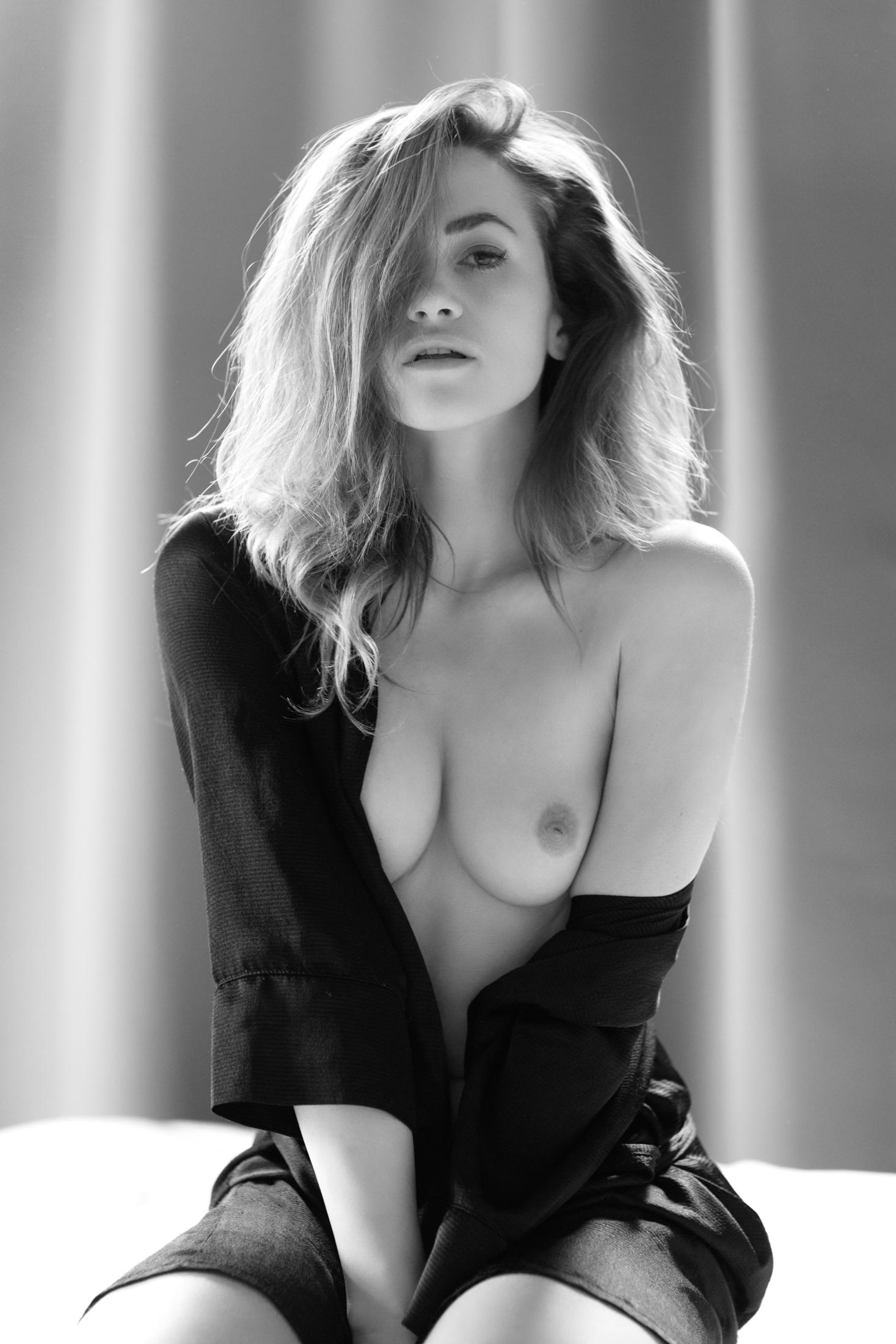 tereza sensual portrait in studio frankfurt 04