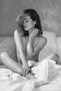 tereza sensual portrait in studio frankfurt 05
