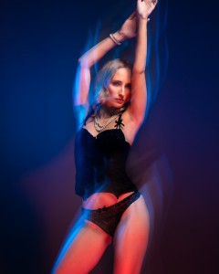 veronika sensual portrait with color gels in studio in frankfurt 02
