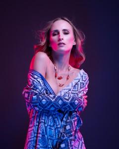 veronika sensual portrait with color gels in studio in frankfurt 06